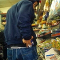 В Ейске сотрудники супермаркета вымогали деньги за молчание о краже