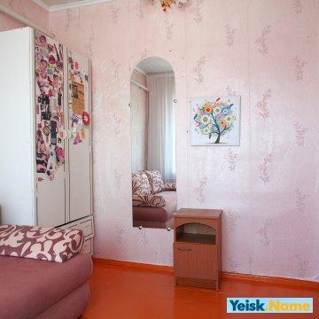 Двухэтажный дом из трех изолированных комнат Вариант №95