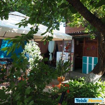 Два дома в одном дворе вариант №116