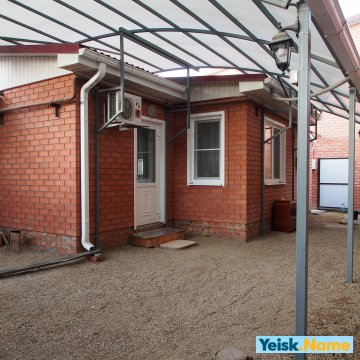 Дом из двух смежных комнат на ул.Павлова  Вариант № 138