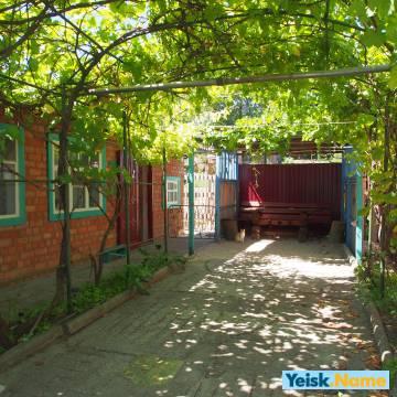 Дом без соседей и хозяев на ул. Нижне-Садовая  Вариант № 140